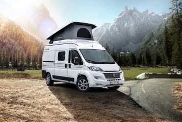 Hire a motorhome in Haar from private owners| Hymer FREE540