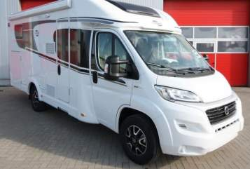 Hire a motorhome in Rostock from private owners| Carado Bille