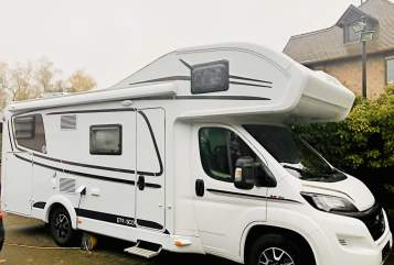 Hire a motorhome in Bexbach from private owners| ETRUSCO Crisan Camper
