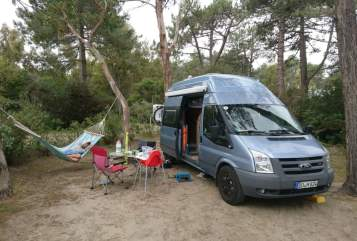 Hire a motorhome in Dortmund from private owners| Ford Westfalia  Nuggy
