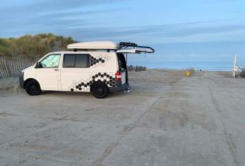 Hire a motorhome in Köln from private owners| VW Hans