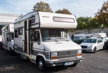 Hire a motorhome in Berlin from private owners| FIAT Baroness Jetti