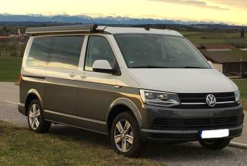 Hire a motorhome in München from private owners| Volkswagen T6 Hannes