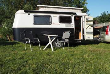 Hire a motorhome in Königswinter from private owners| Eriba Troll 3