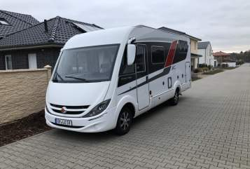Hire a motorhome in Jembke from private owners| Bürstner Viseo 690
