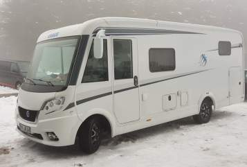 Hire a motorhome in Polch from private owners| Knaus Sweet home
