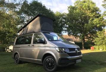 Hire a motorhome in Hamburg from private owners| VW Mojave