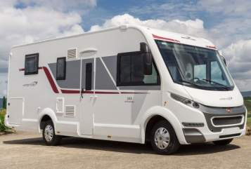 Hire a motorhome in Breydin from private owners| Roller Team Kronos
