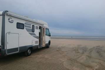 Hire a motorhome in Dorsten from private owners| Giottiline Schubimobil