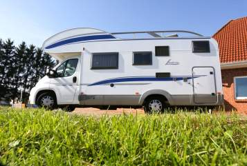 Hire a motorhome in Papendorf from private owners| Bürstner Klausi