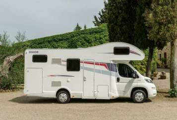 Hire a motorhome in Königs Wusterhausen from private owners  Rimor Rimor Seal 8