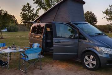 Hire a motorhome in Groß Quenstedt from private owners| Mercedes Benz Benzi