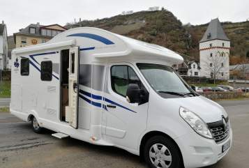 Hire a motorhome in Dahn from private owners| Ahorn Renault Lärry