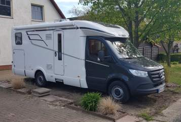 Hire a motorhome in Stuhr from private owners| Mercedes Hymer Tramp S 685 Mercedes Tramp