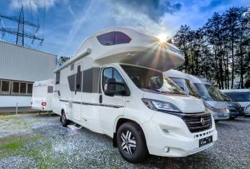 Hire a motorhome in Paderborn from private owners| Adira Coast