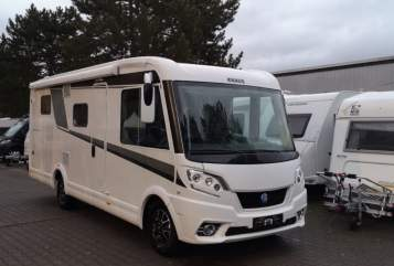 Hire a motorhome in Berlin from private owners| Knaus Hermann3