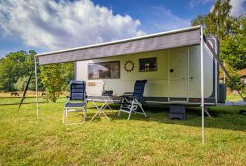 Hire a motorhome in Battenberg from private owners  Knaus Mountbatten LS