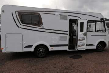 Hire a motorhome in Oberschlettenbach from private owners  Etrusco  First
