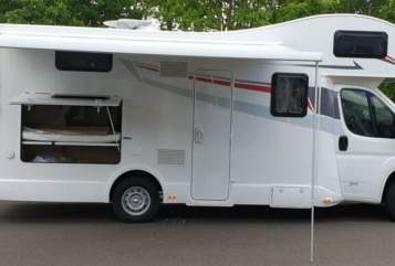 Hire a motorhome in Friedberg from private owners| Rimor Familienkutsche