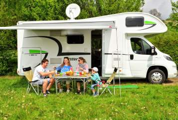 Hire a motorhome in Bielefeld from private owners| Forster Forster A699HB