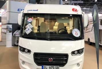 Hire a motorhome in Kellinghusen from private owners| Eura Mobil Lucky