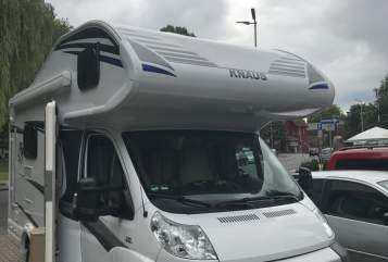 Hire a motorhome in Alsdorf from private owners| Knaus Knausi
