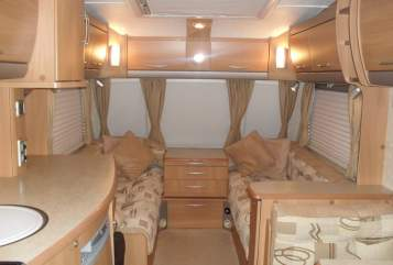 Hire a motorhome in Hamburg from private owners| Swift Der Engländer