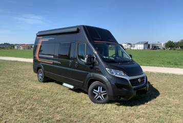 Hire a motorhome in Königsbrunn from private owners  Weinsberg Big Beauty TWO
