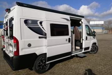 Hire a motorhome in Duisburg from private owners| Chausson Oskar