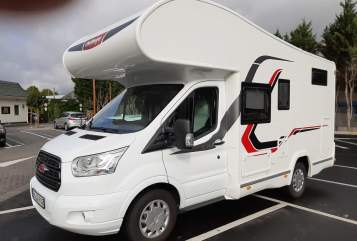 Hire a motorhome in Siegburg from private owners| Chellenger Lotta