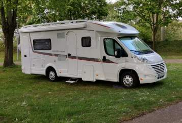 "Hire a motorhome in Kaufbeuren from private owners| Detleffs ""Lady"""