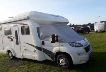 Hire a motorhome in Eberswalde from private owners| Eura Mobil Profila