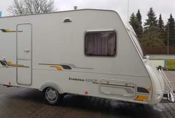 Hire a motorhome in Gönnebek from private owners| Sterckemann  Hugo