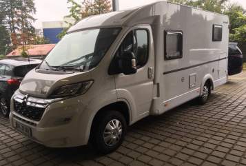 Hire a motorhome in Bad Bramstedt from private owners| Sunlight Fiete