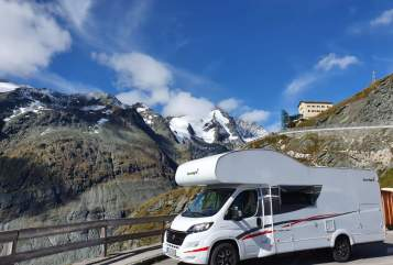 Hire a motorhome in Dortmund from private owners  Sunlight Hunde-WoMo
