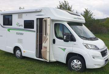 Hire a motorhome in Seegebiet Mansfelder Land from private owners| Forster Gin44