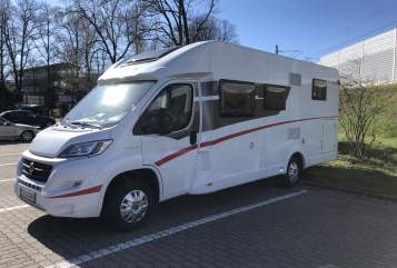 Hire a motorhome in Erlangen from private owners| Sunlight Kurt
