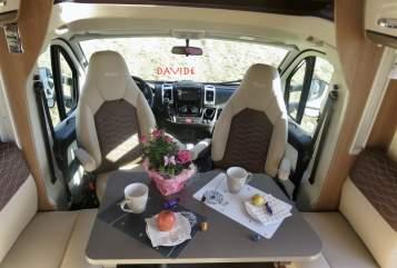 Hire a motorhome in Ingolstadt from private owners| Bürstner DAVIDE