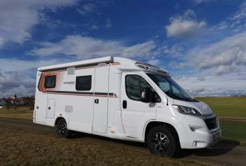 Hire a motorhome in Kirchheim am Ries from private owners| Weinsberg Peppi