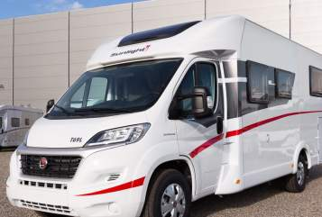 Hire a motorhome in Rotenburg an der Fulda from private owners| Sunlight T69L