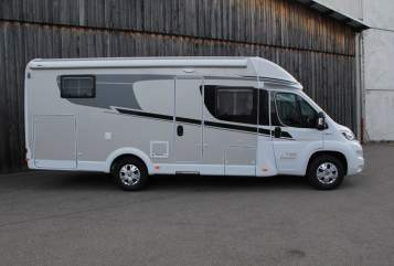 Hire a motorhome in Heppenheim from private owners| Carado Carado T448