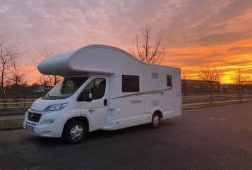 Hire a motorhome in Berlin from private owners| Forster Luxusbus bis 6