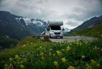Hire a motorhome in Witten from private owners| Sunlight Sunny
