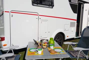 Hire a motorhome in Koblenz from private owners| Sunlight Wolfmobil