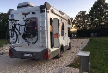 Hire a motorhome in Neuhausen auf den Fildern from private owners  Knaus Elvis