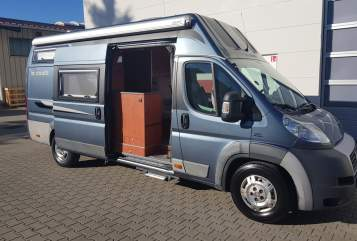 Hire a motorhome in Feldkirchen-Westerham from private owners| LA Strada TOP Holiday