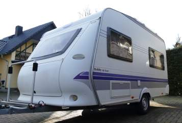 Hire a motorhome in Niedergörsdorf from private owners| Hobby Sole 124