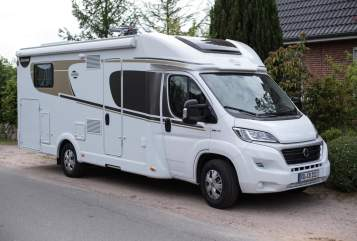 Hire a motorhome in Aukrug from private owners| Carado clickcamper