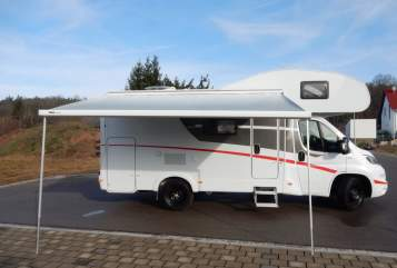 Hire a motorhome in Büchenbach from private owners| Sunlight Sunny