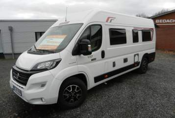 Hire a motorhome in Emsdetten from private owners| Challenger Vany V217